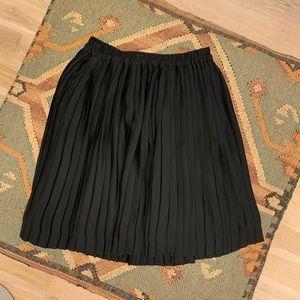 Banana Republic black skirt elastic band sz XS